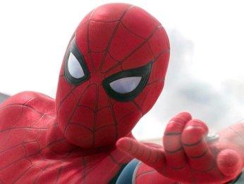 Том Холланд оценил удобство костюма Человека-паука на троечку