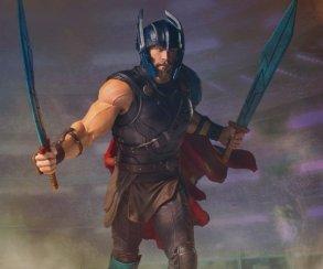 Тут имолот ненужен: костюм гладиатора подходит Тору гораздо лучше