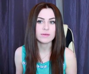 Юлия Пушман («Взломать блогеров») в Госдуме. Два очень странных фото