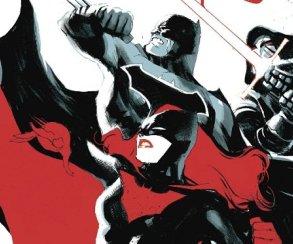 Бэтмен оказался в непростом положении: в Готэме хаос, а он бессилен