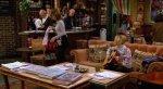 СМИ объяснили вечно свободный столик в кофейне из сериала «Друзья». - Изображение 6