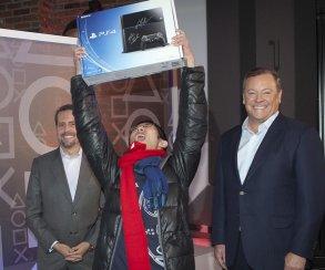 PS4 все же обогнала Xbox One по сентябрьским продажам в США