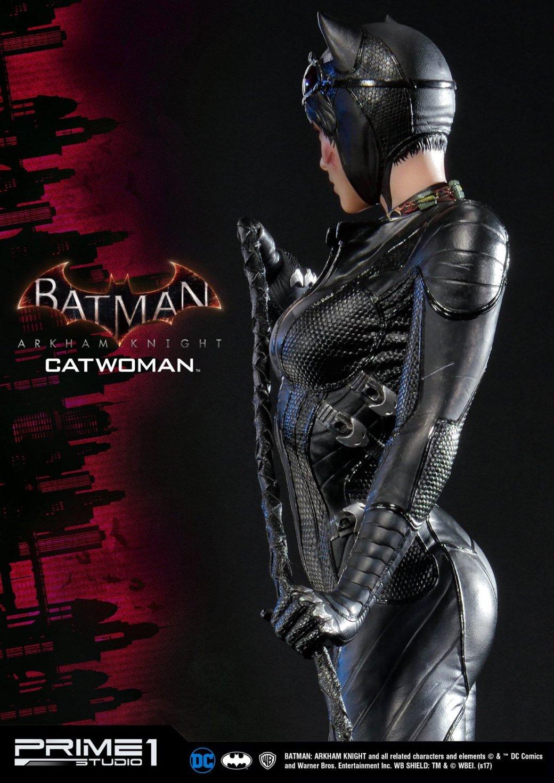 Статуя женщины, которой удалось покорить сердце Бэтмена. - Изображение 3