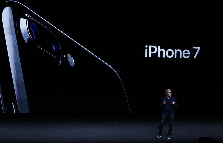 10 тысяч iPhone 7 нашли своих хозяев впервый день продаж вРоссии - Изображение 1