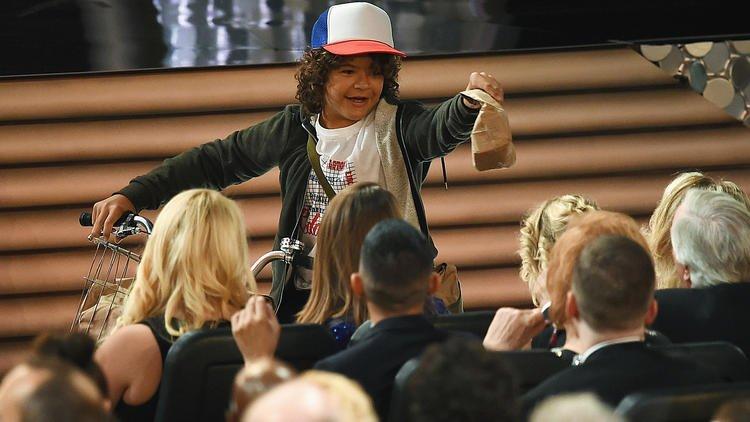 Церемония «Эмми 2016»: лучшие фото и шутки  - Изображение 1