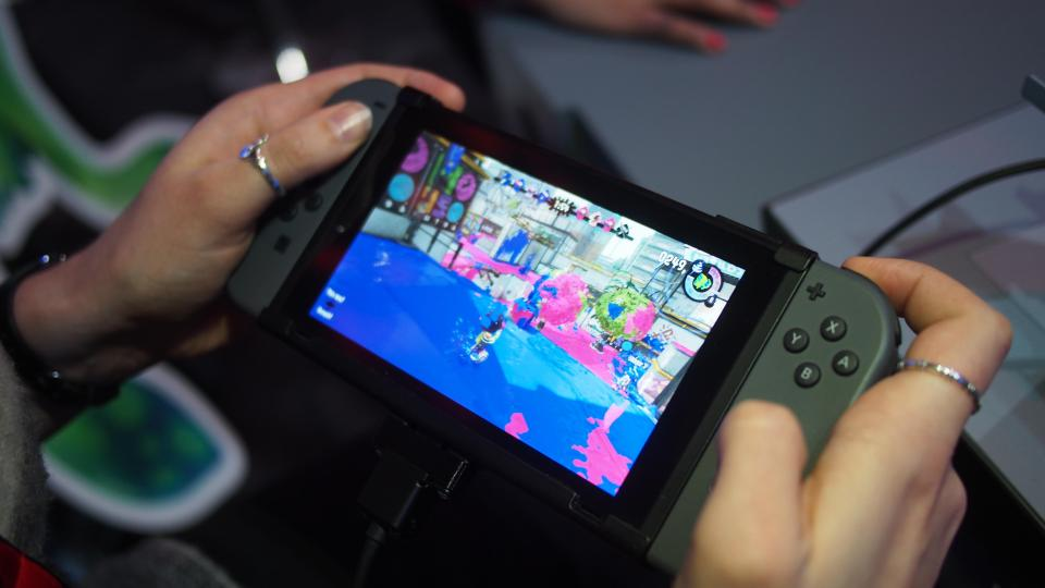 Nintendo может выпустить Switch Мини в последующем 2018г.