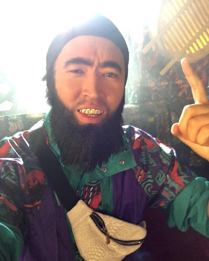 Почти как Тимати. Казахский киберспортсмен стал гастарбайтером. - Изображение 1