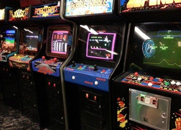 Вставьте монетку: как крупные компании пробовали себя в видеоиграх