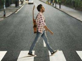 Yesterday— яркая комедия Дэнни Бойла про мир без The Beatles