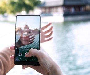 Запал иссяк? Xiaomi делает свой уникальный флагман Mi MIX 3 копией iPhone X