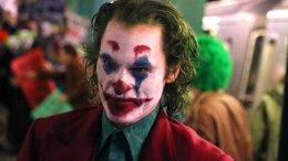 Полицейские сбили Хоакина Феникса на свежих кадрах со съемок «Джокера»