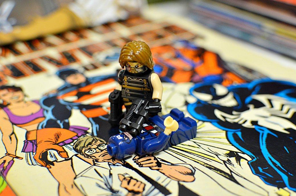 Топ-модель по-русски: «Канобу» устраивает фотосессию LEGO-супергероям | Канобу - Изображение 13