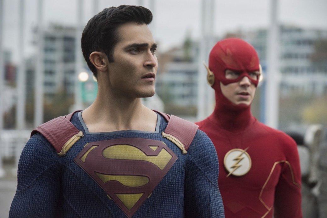 Супергерои собрались вместе на новых кадрах из «Кризиса на Бесконечных Землях»   Канобу - Изображение 4170
