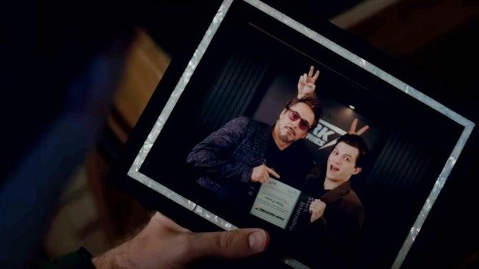 Том Холланд незнал, что его забавное фото сДауни-младшим сыграет важную роль в«Финале» | Канобу - Изображение 0